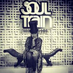 Erykah-Badu-to-host-2015-Soul-Train-Awards
